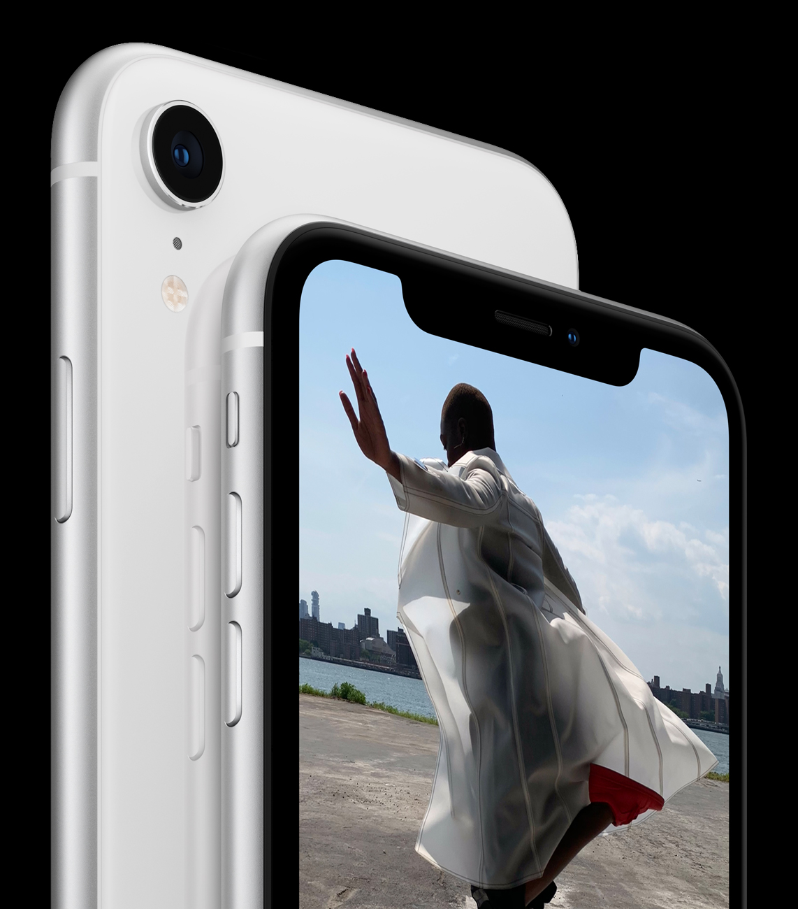 The new iPhone XR has an aluminium body and a glassback, and comes with a well blended and rounded LCD screen with no obvious pixelated edges. Image from the Apple Newsroom